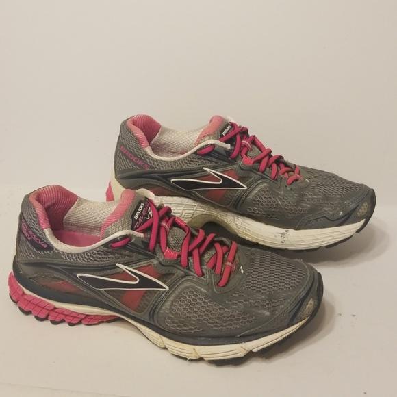 Brooks Shoes | Ravenna 5 Womens Size 9